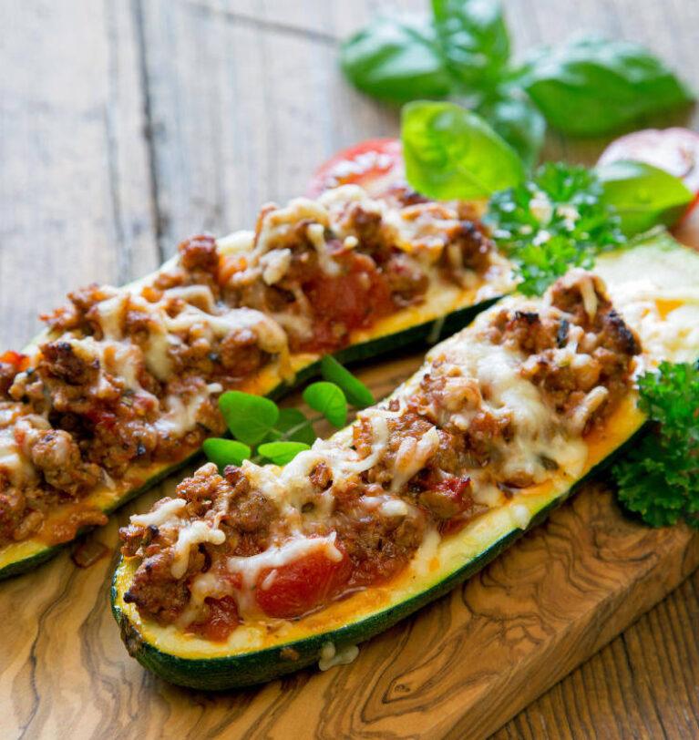 Barchette di zucchine ripiene,un secondo piatto filante e gustoso